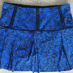 Lululemon rare special edition Skirt Blue size 6
